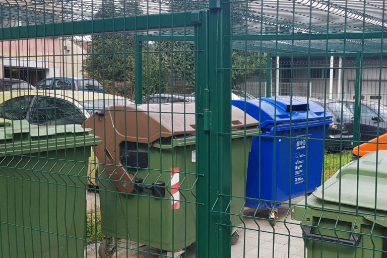 grad-krizevci-ogradjeni-spremnici-za-otpad